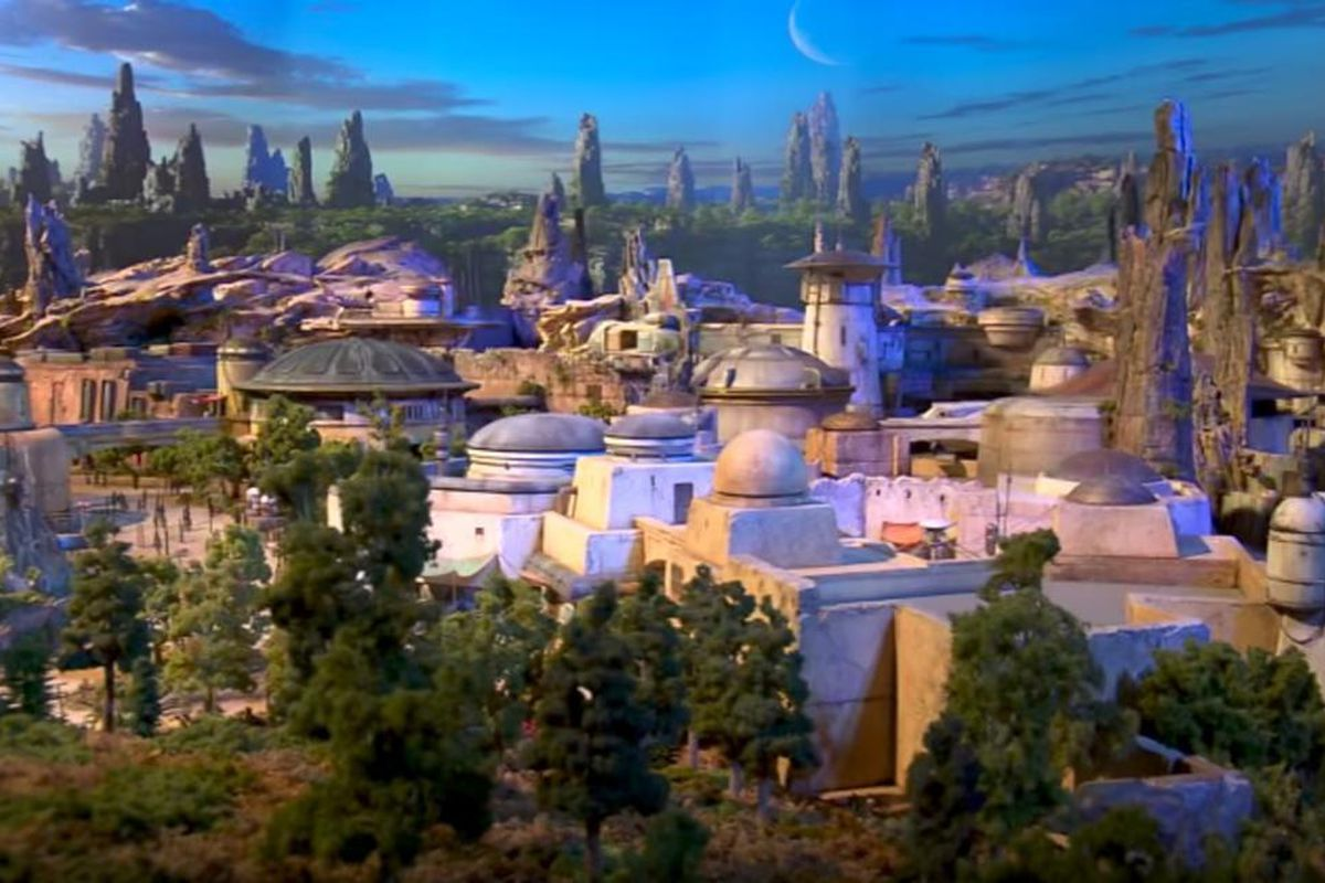 """On Friday, Disney unveiled a video at the D23 Convention that shows a scale model of the upcoming """"Star Wars"""" park."""
