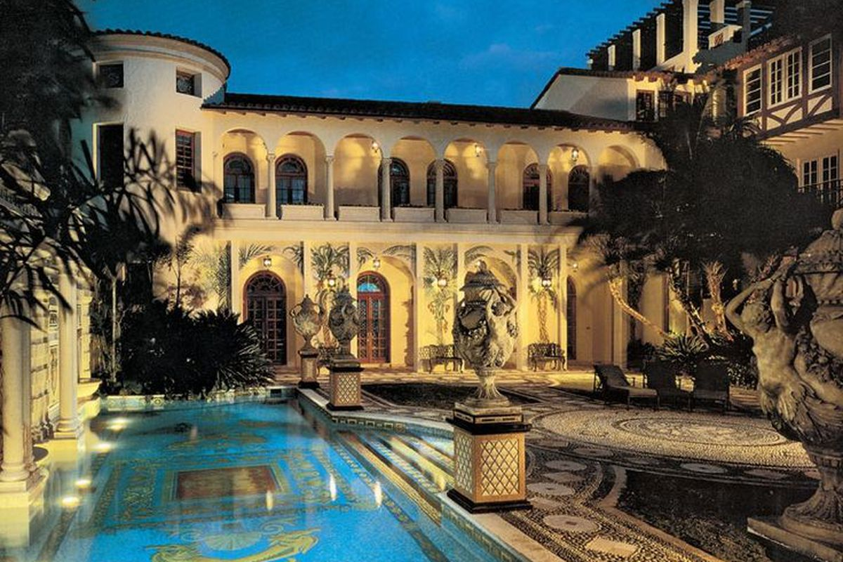 New York Mansions For Sale >> The Versace Mansion is back in the spotlight, thanks to 'American Crime Story' - Curbed Miami