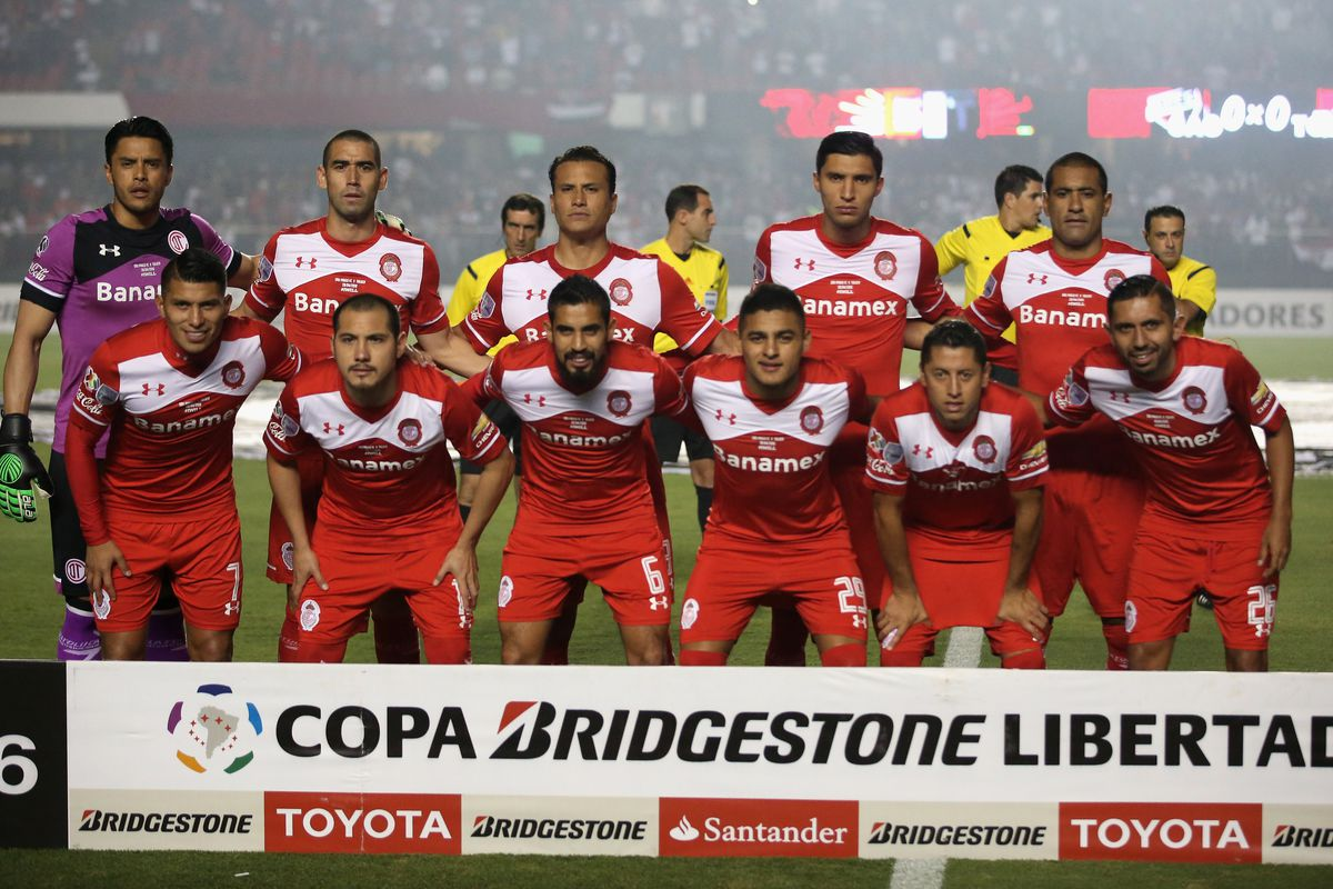 Sao Paulo v Toluca - Copa Bridgestone Libertadores 2016