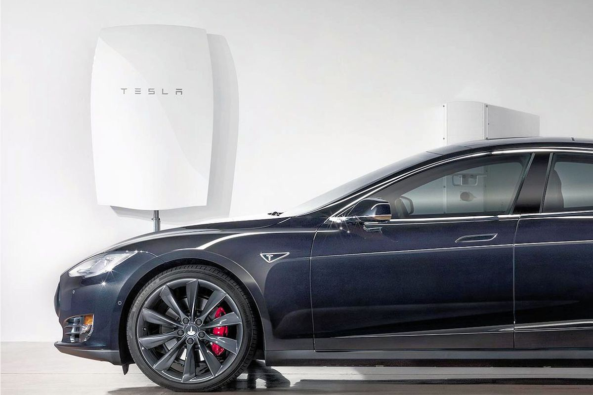 Tesla Moves Into Storage Batteries for Homes, Businesses