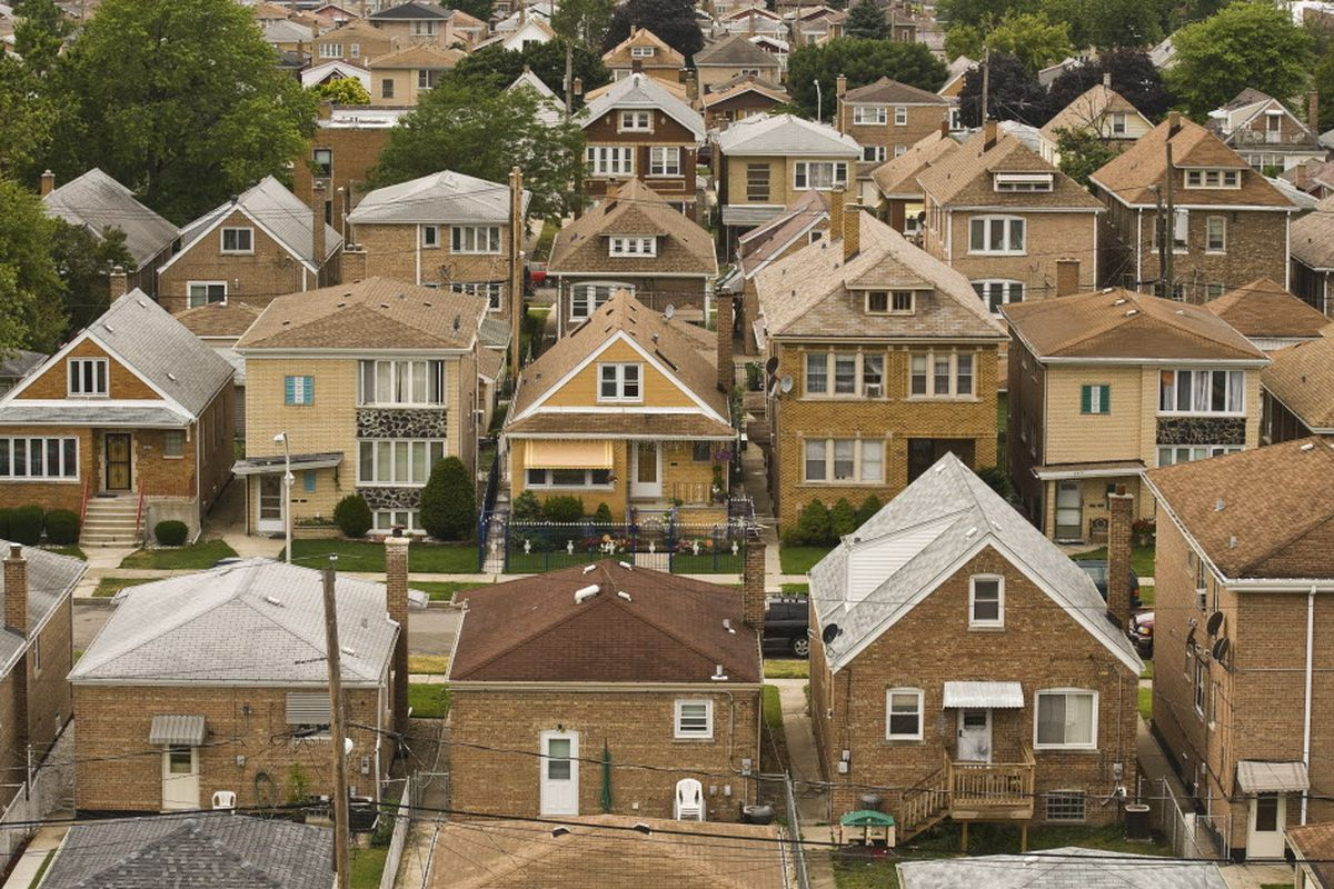 7ed15dff570 If you get out of the hippest neighborhoods, Chicago has plenty of housing  to offer in solid communities, writes Natalie Moore. | Rich Hein/Sun-Times