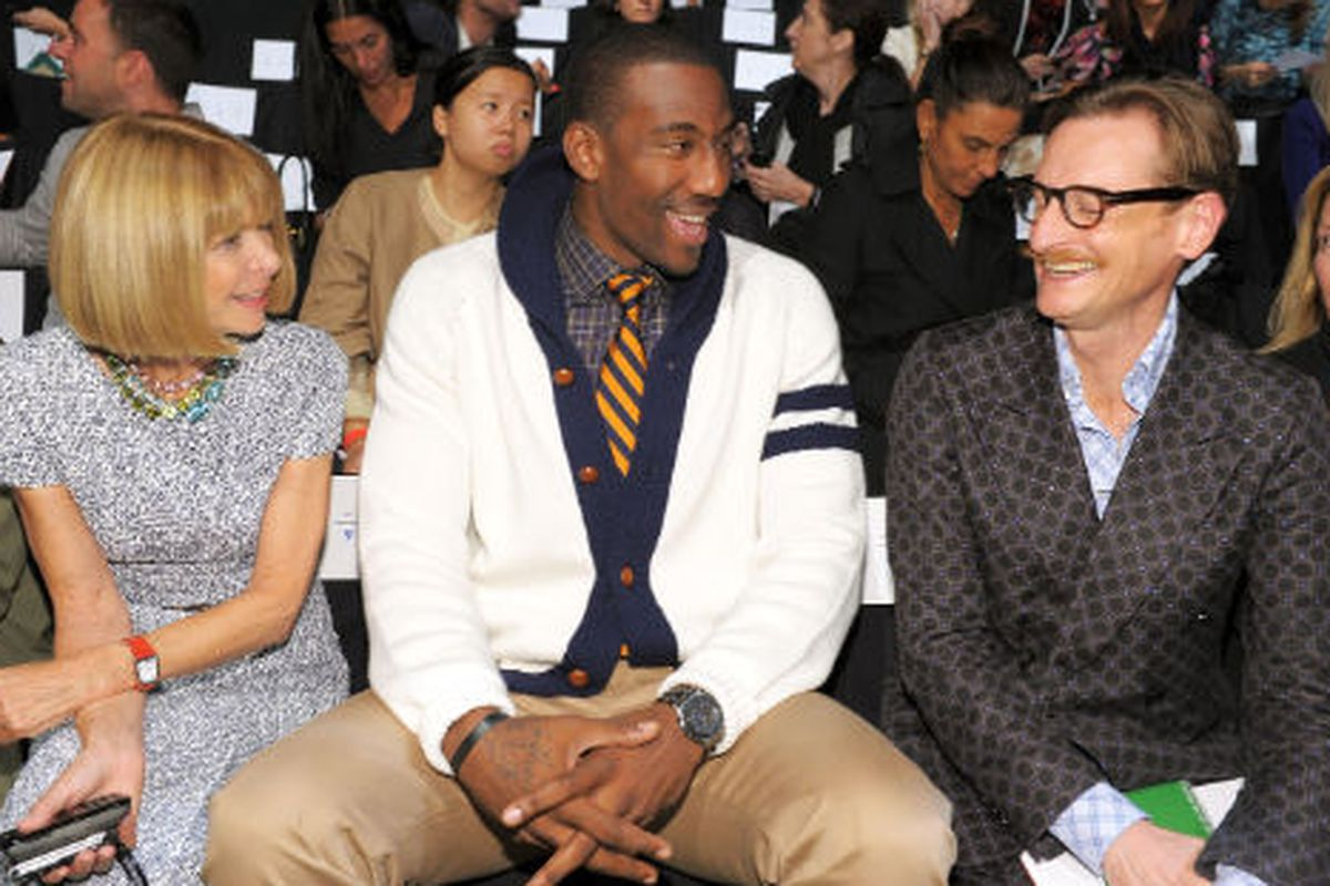 """Amar'e Stoudemire with Anna Wintour and Hamish Bowles at spring 2010 Fashion Week, via <a href=""""http://gettyimages.com"""">Getty Images</a>"""