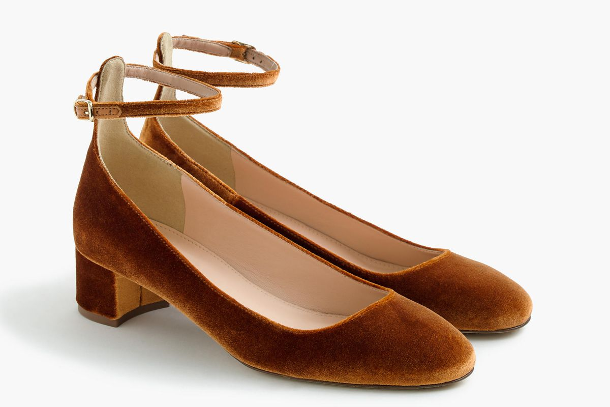 606263b62f46 I Slid Into J.Crew s DMs and Now I Have These Sold-Out Velvet Shoes ...