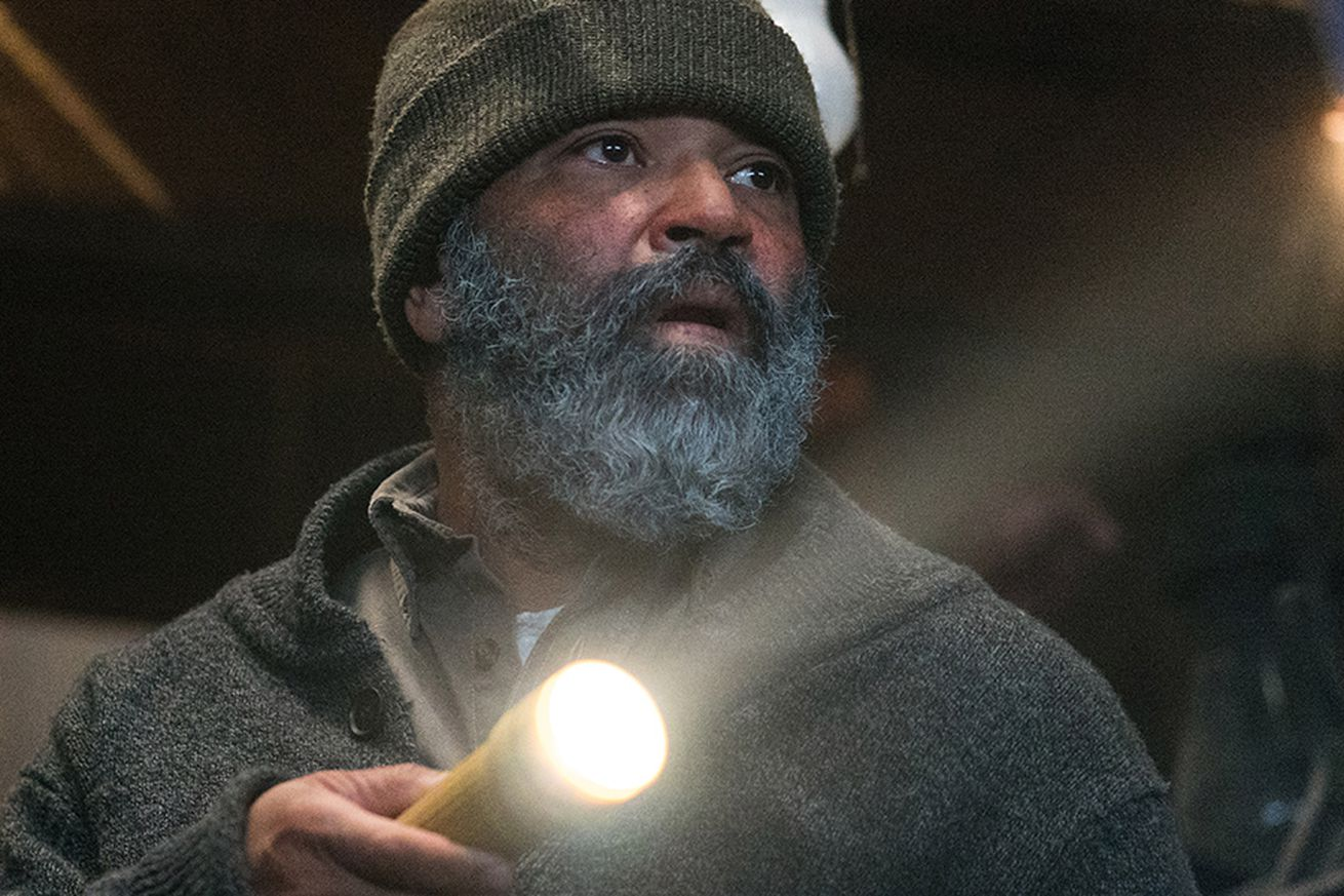 netflix s hold the dark throws jeffrey wright to the wolves