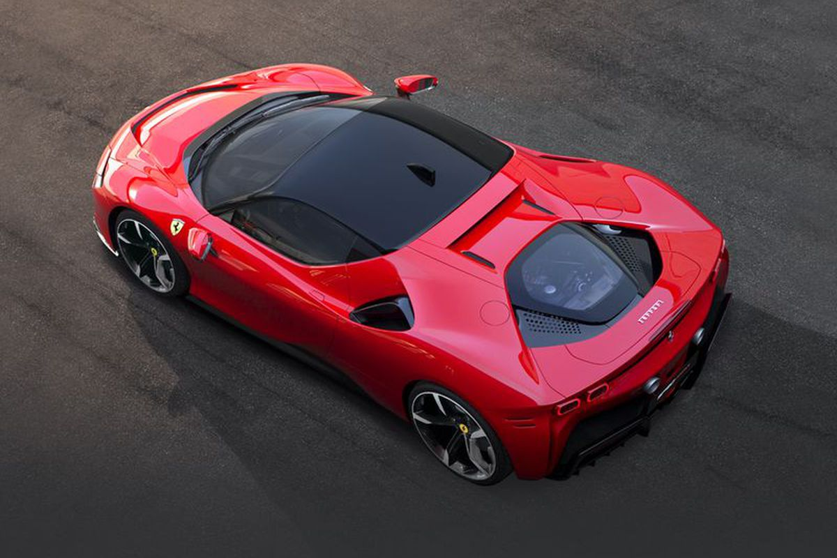 Ferrari S First Plug In Hybrid Can Go From 0 62 Mph In 2 5 Seconds The Verge