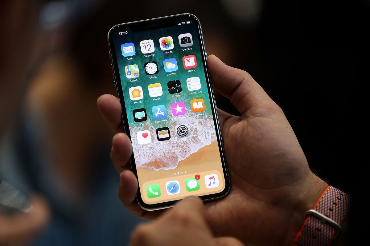 Tưởng rằng chỉ Việt Nam phải mua iPhone X đắt? Hãy nhìn vào các nước châu Âu khác đi!