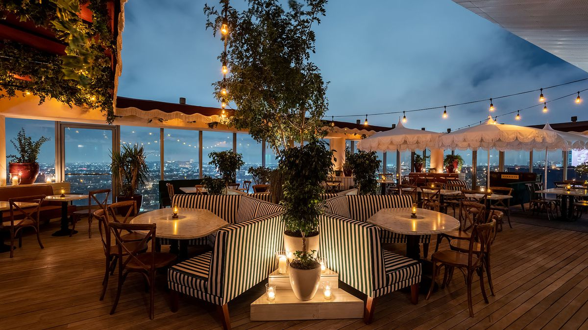 Harriet S Soaks Up La Views From Lofty Sunset Strip Rooftop