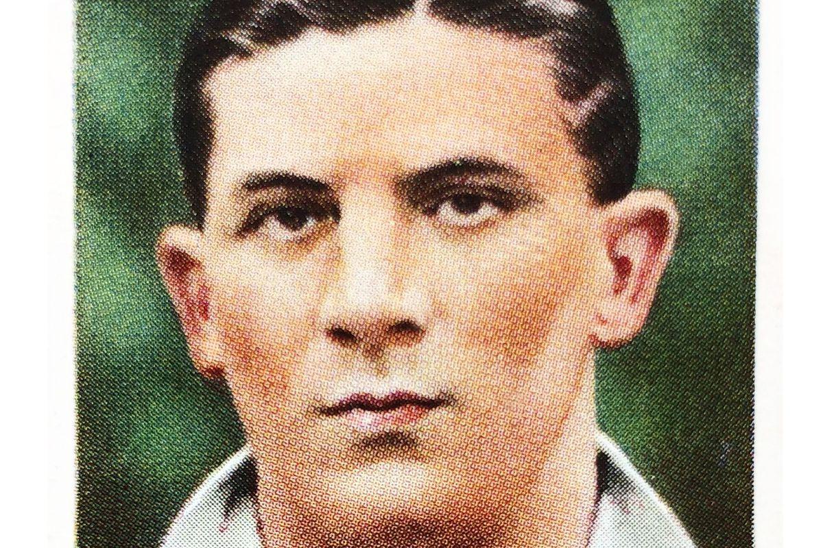 Ted Drake Arsenal Football Cigarette Card 1935