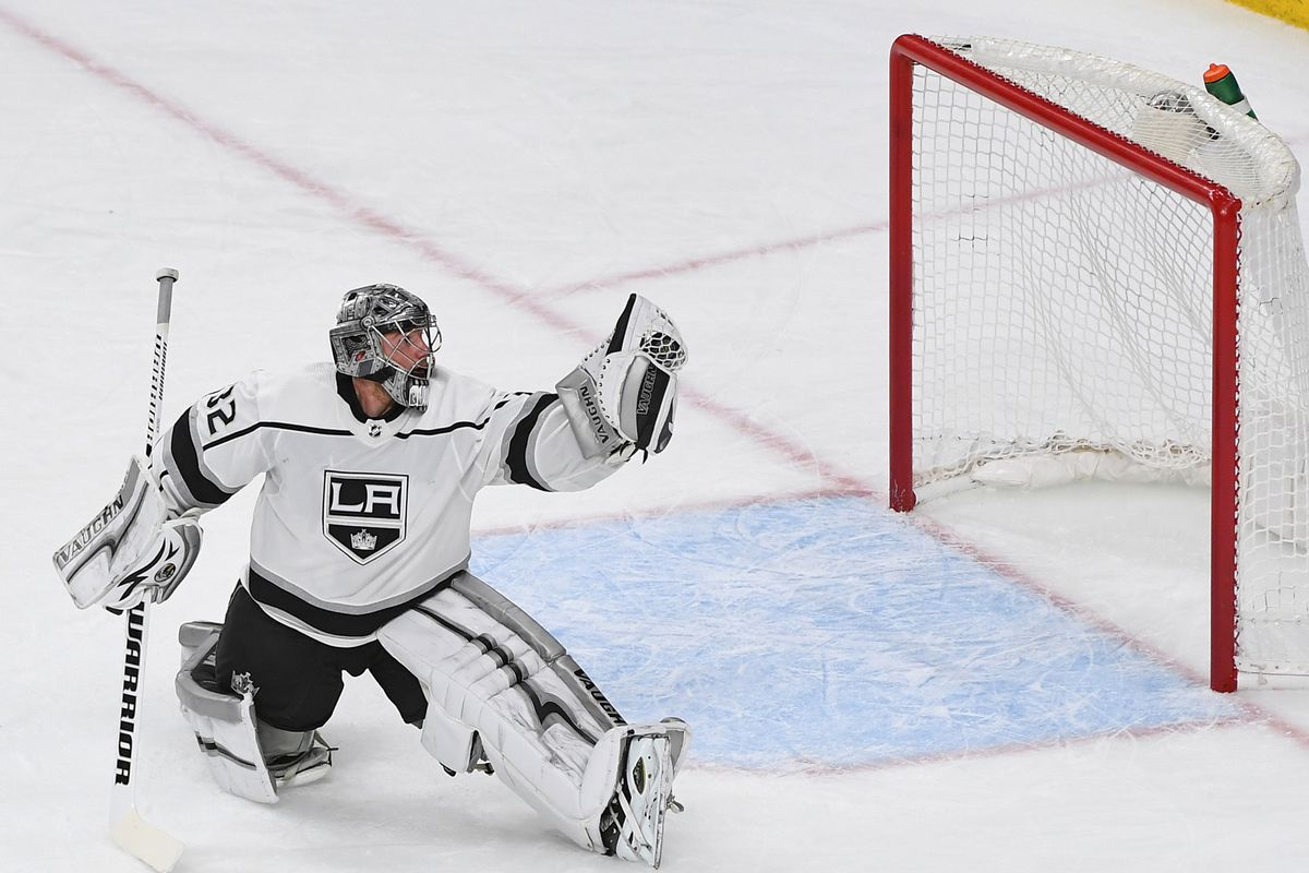 Despite Vegas up 2-0, Jonathan Quick is stealing the show ...