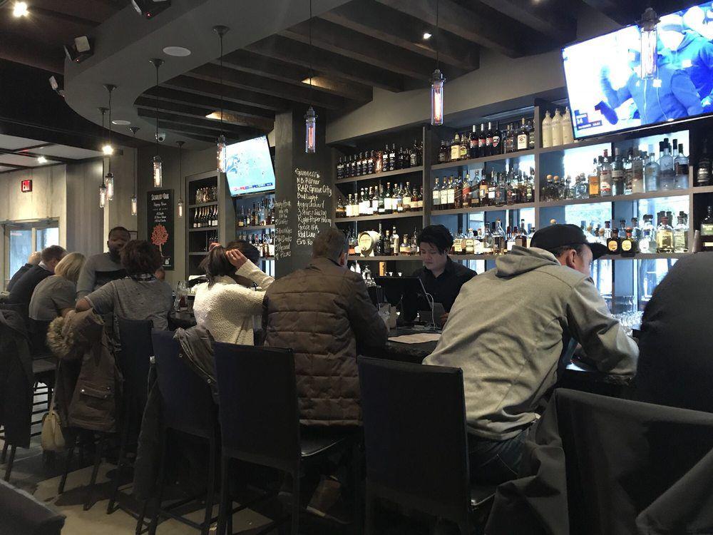 Scarlet Oak DC bar