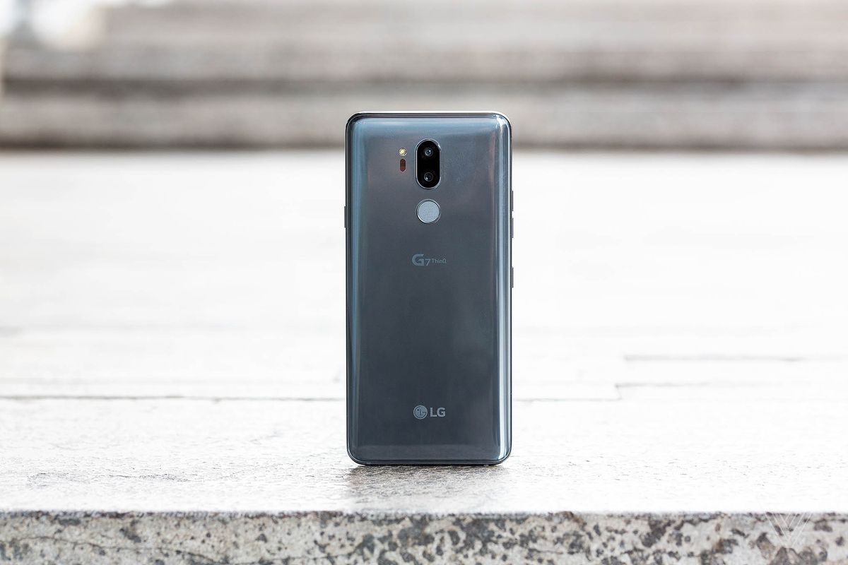 LG's G7 ThinQ preserves the headphone jack and introduces a
