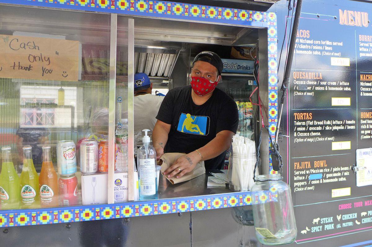 Chinelos Birria Tacos Long Island City Mexican