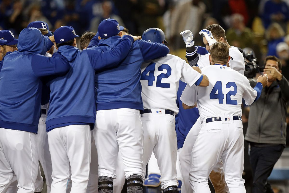 MLB: APR 15 Reds at Dodgers