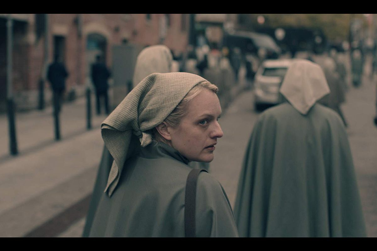 Handmaid S Tale Season 3 Premiere Recap Night Mary And Martha Watch Out Burn With Fury Vox