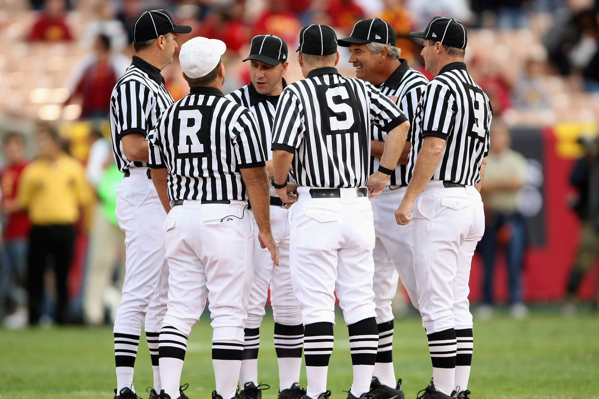 understanding college football officiating the crew and their keys
