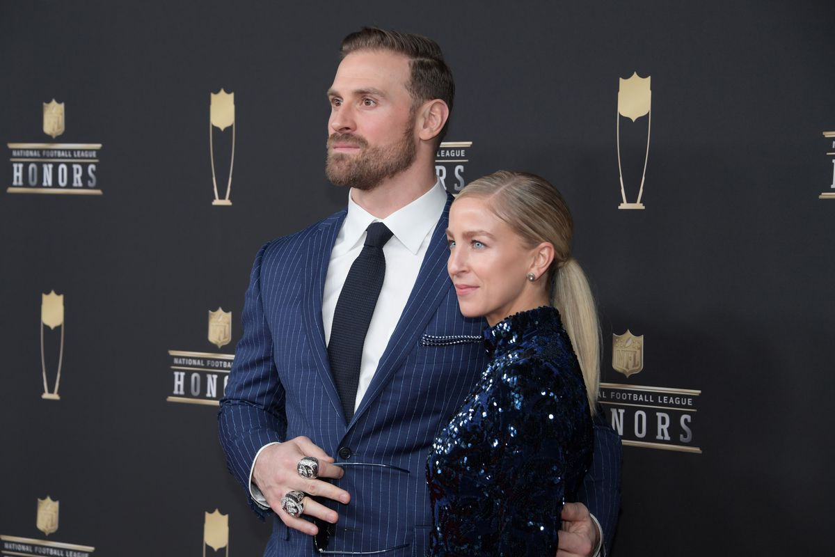 2018 NFL Honors  Chris Long named the Walter Payton Man of the Year ... e40cb46a1