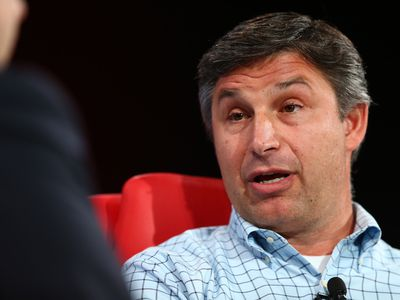 Twitter COO Anthony Noto is considering leaving to become SoFi's new CEO