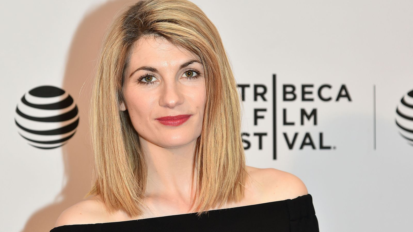 Doctor Who announces Broadchurch actress as first female Doctor