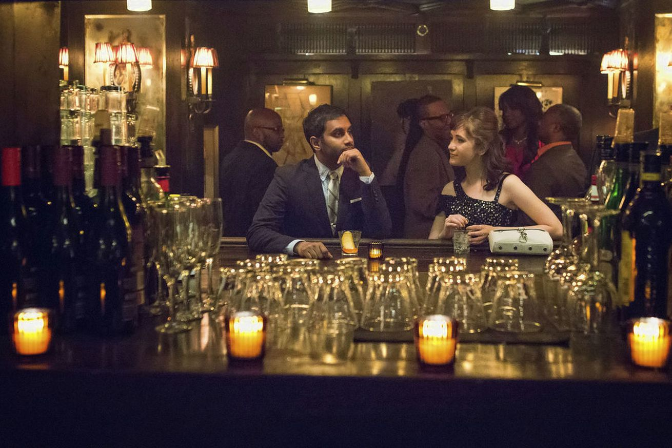netflix s master of none wins aziz ansari the 2018 golden globe for best actor in a tv comedy