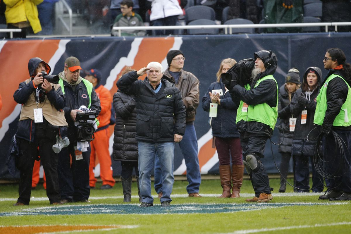 e0139a9efa9 Vietnam War veteran and medal honor recipient, Specialist Five James  McCloughan salute as he is honored during Salute Service in the second half  of an NFL ...