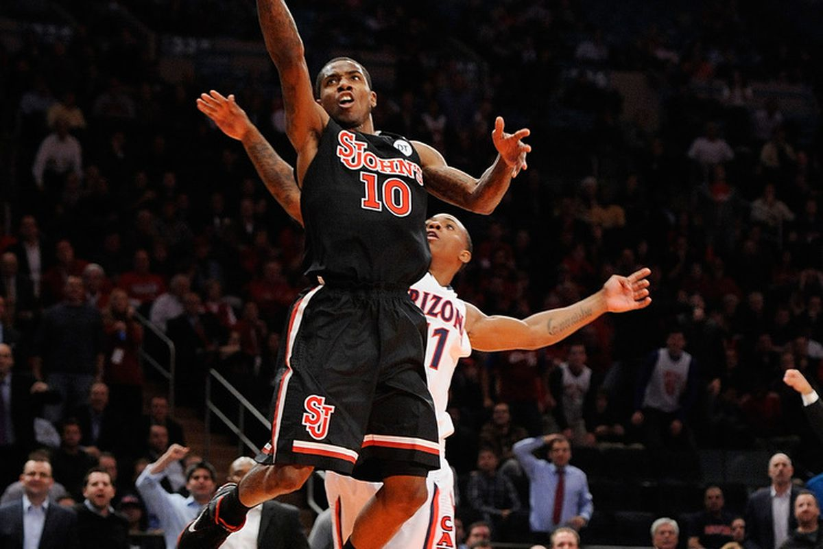 Nurideen Lindsey takes a layup vs Arizona. Lindsey will reportedly transfer from St. John's.