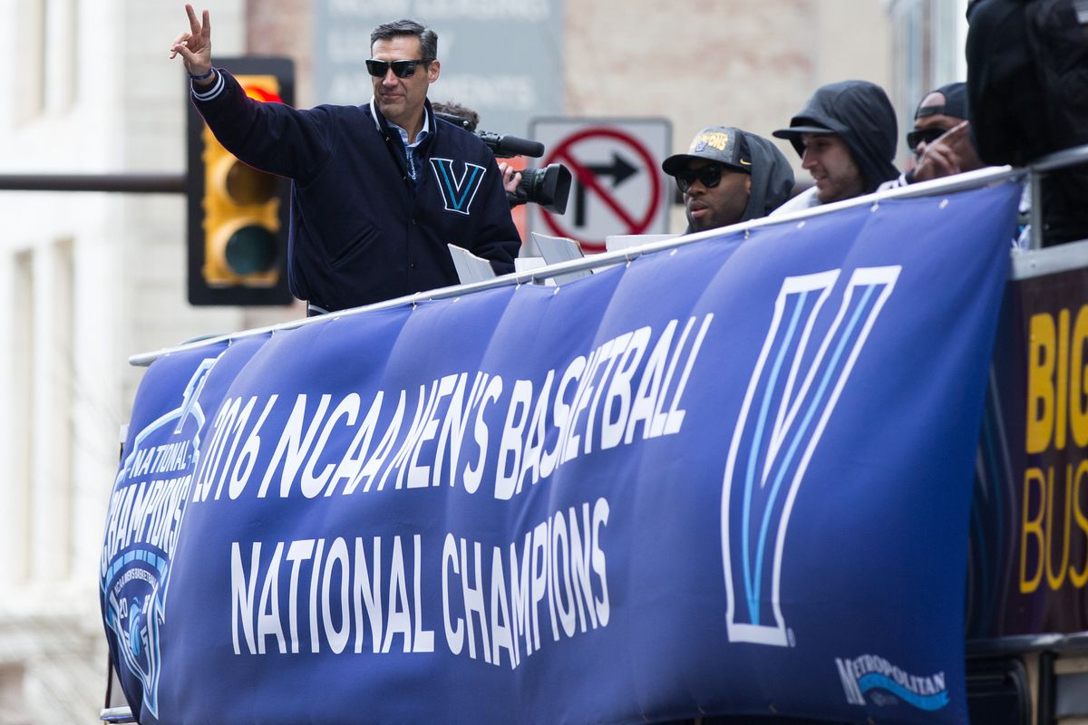 Jay Wright flicking V's to the haters.