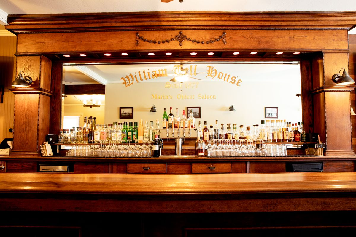 The bar at The William Tell House in Marin