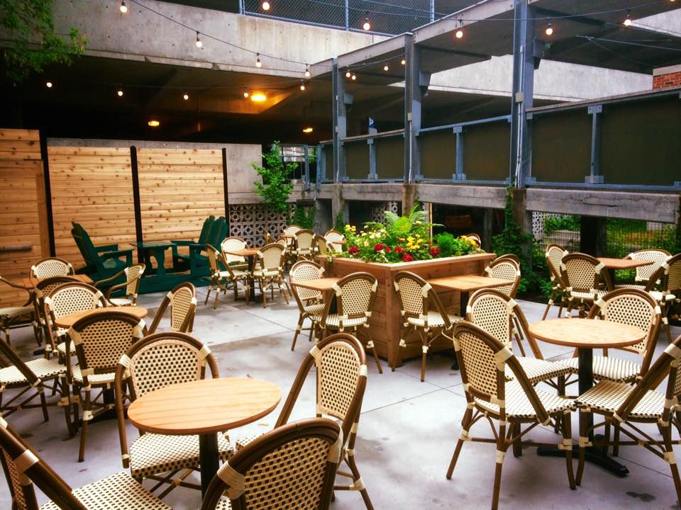 Chairs and tables on Bar Palco's terrasse.