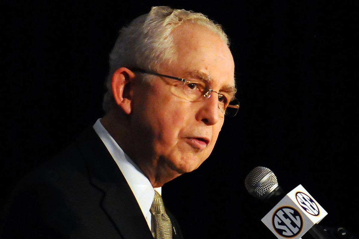 Mike Slive has definite ideas about who should pick the College Football Playoff teams.