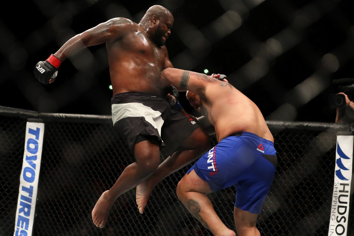 Derrick Lewis was really crying after back injury took him ...