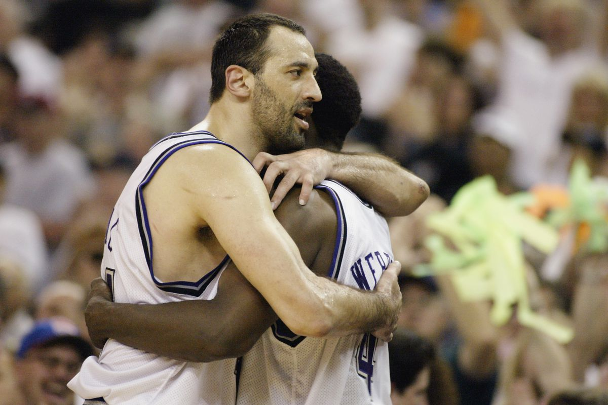 Mavericks v Kings