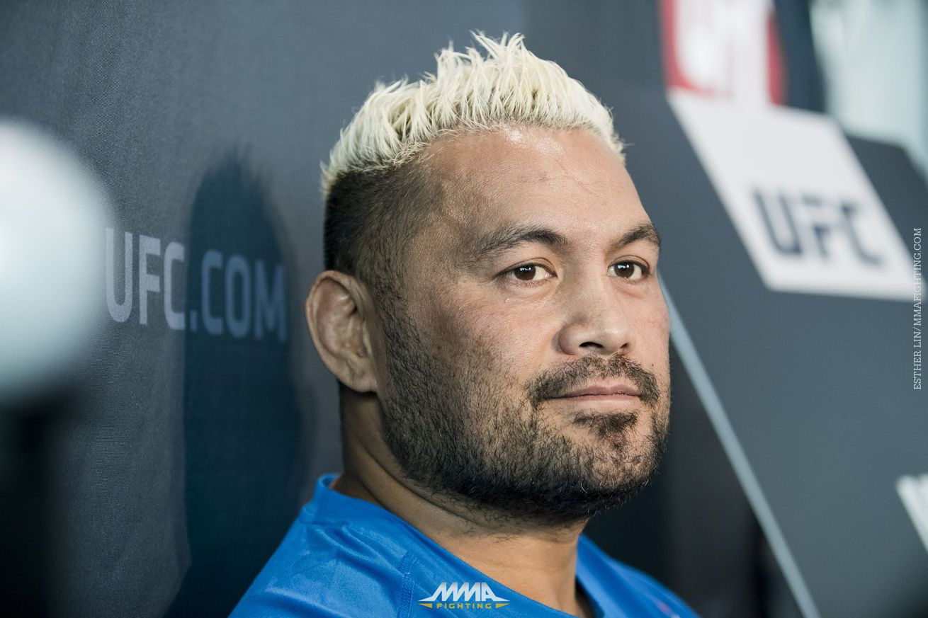 community news, Mark Hunt: 'Crock of sh*t' that 'cheater' Alistair Overeem was allowed IV before UFC 209