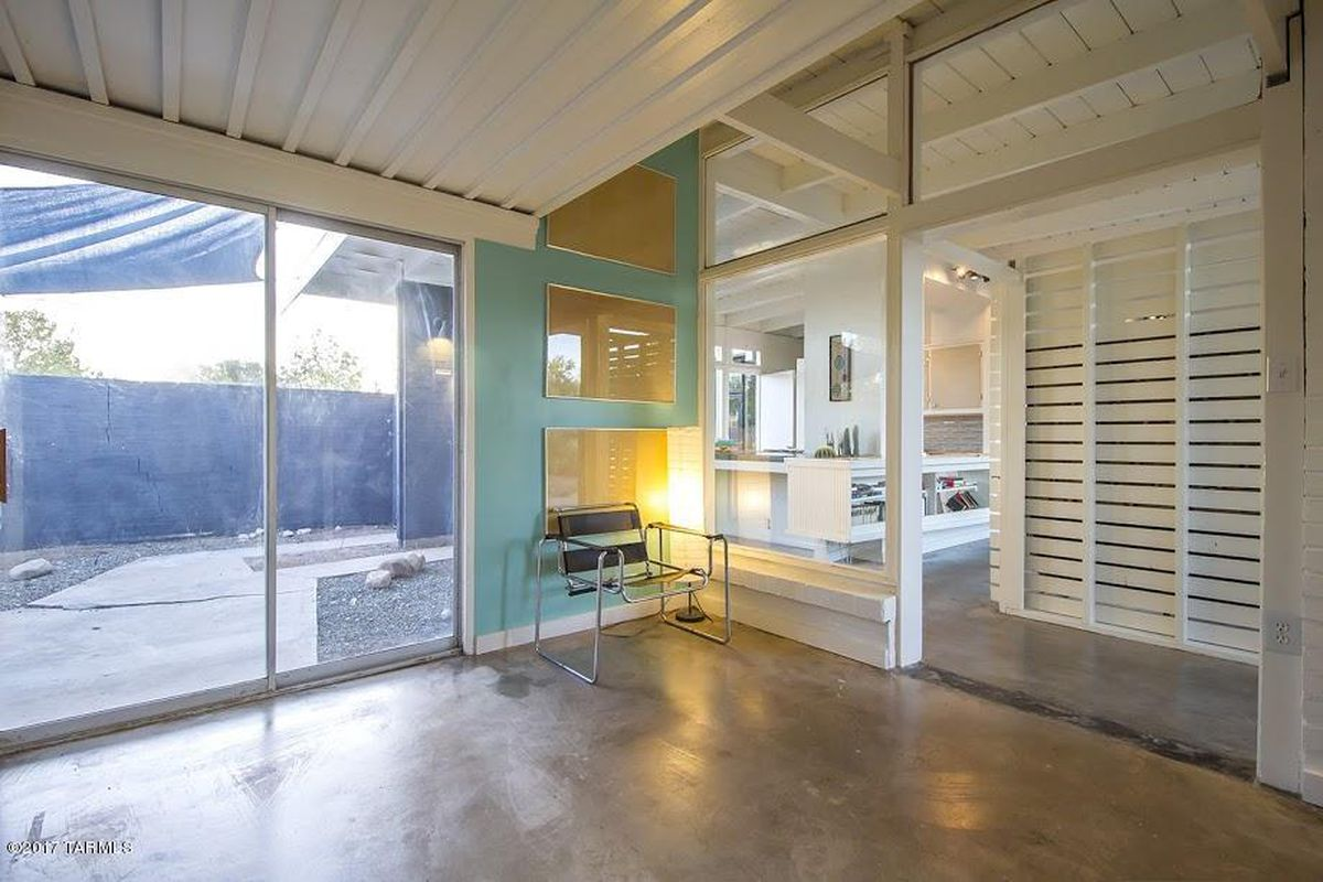 airy midcentury bungalow asks 265k in arizona curbed