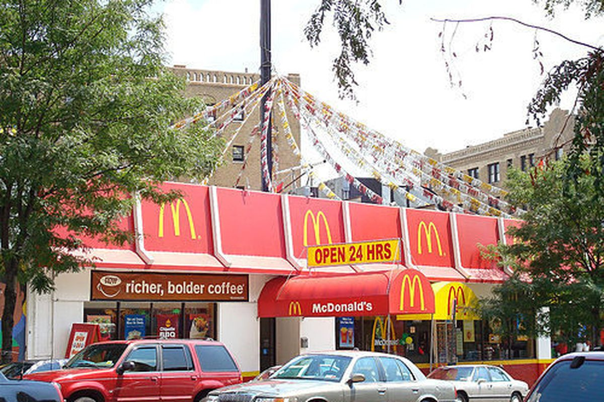 Is Mcdonalds Open On Christmas.Mcdonald S Ruins Christmas Asks Stores To Stay Open Eater