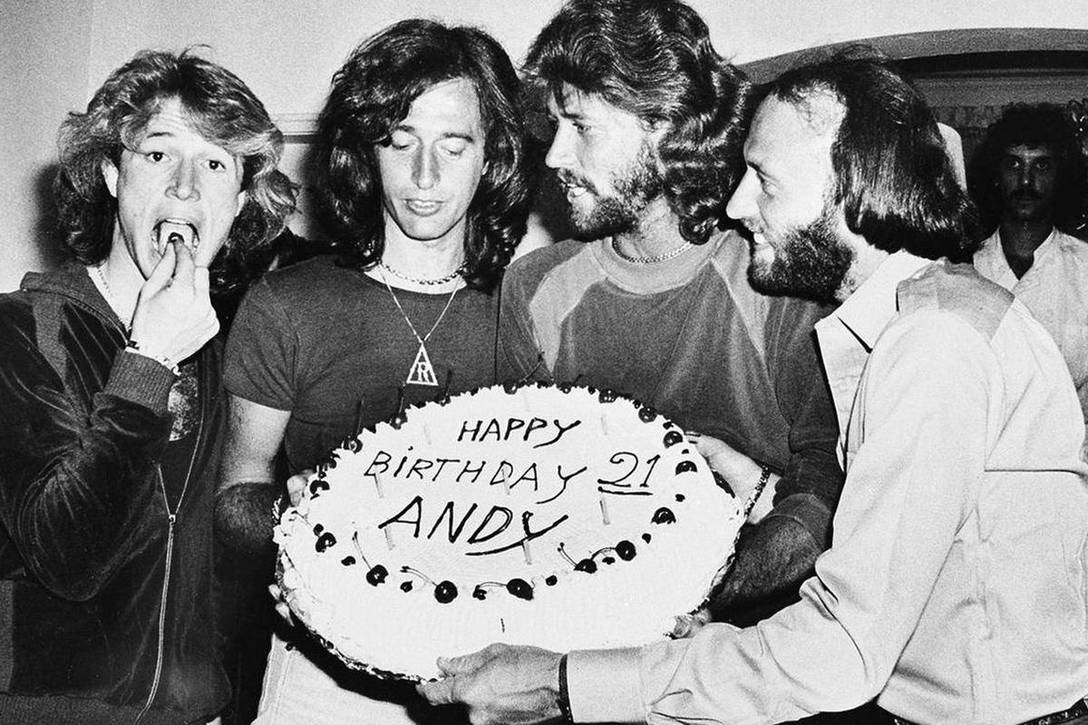 Incredible Bee Gees Robin Gibb Dies After Long Cancer Battle Deseret News Funny Birthday Cards Online Alyptdamsfinfo