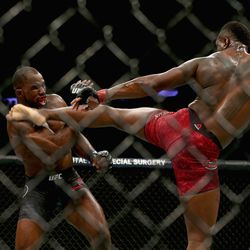 Saint Preux's leg begins to recoil as Anderson starts to lose consciousness.