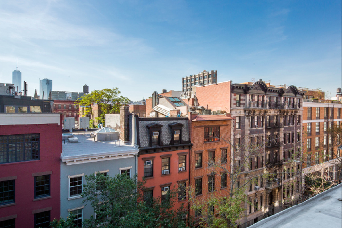 Are Manhattan S Townhouse Listings Actually As Big As They Claim