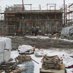 Tue 12/29: media building, looking east on Waveland -