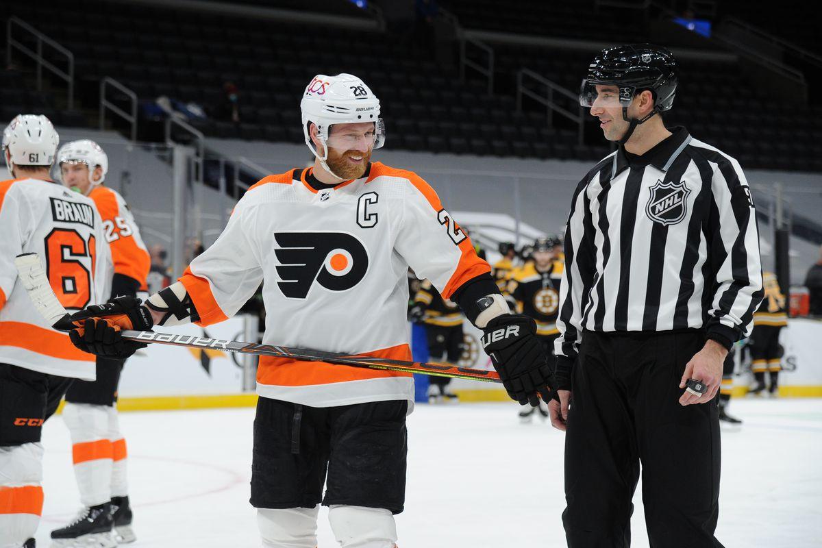 Phildelphia Flyers v Boston Bruins