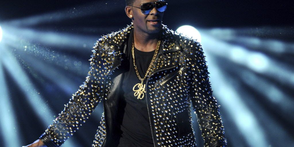 New R  Kelly song 'I Admit' details singer's long list of