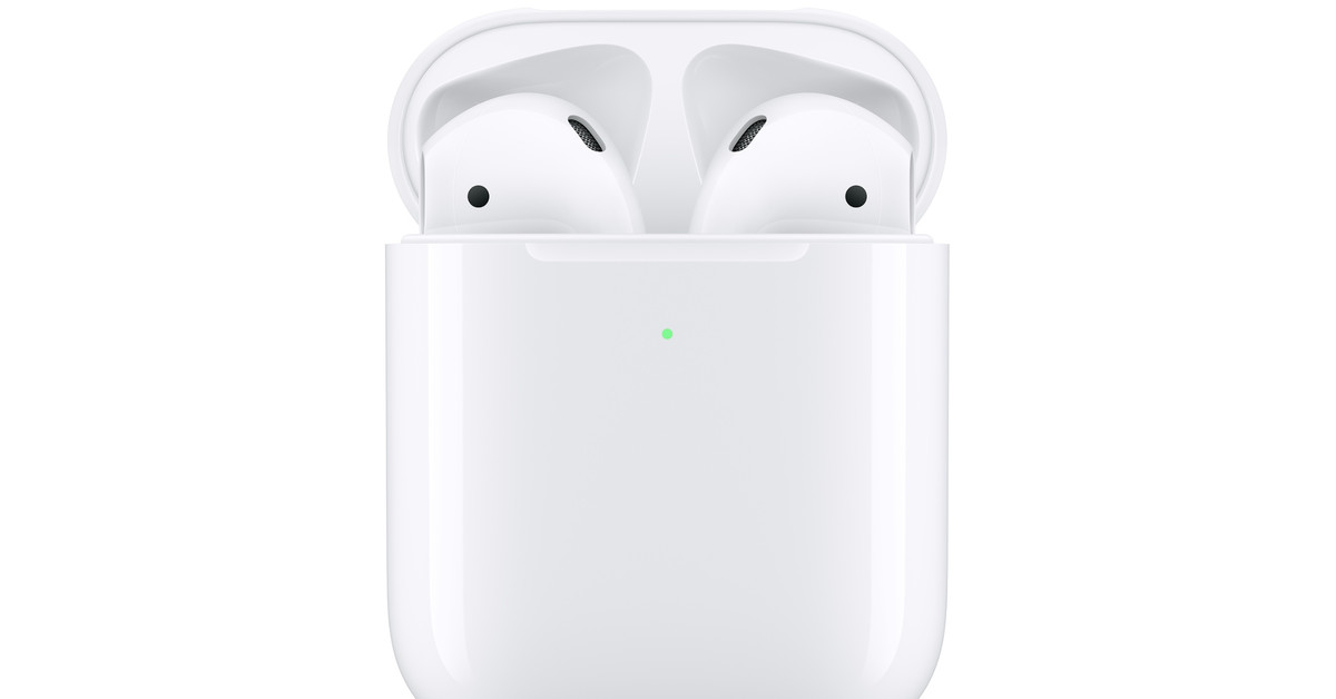 Apple S New Airpods Come With A Wireless Charging Case Hey Siri