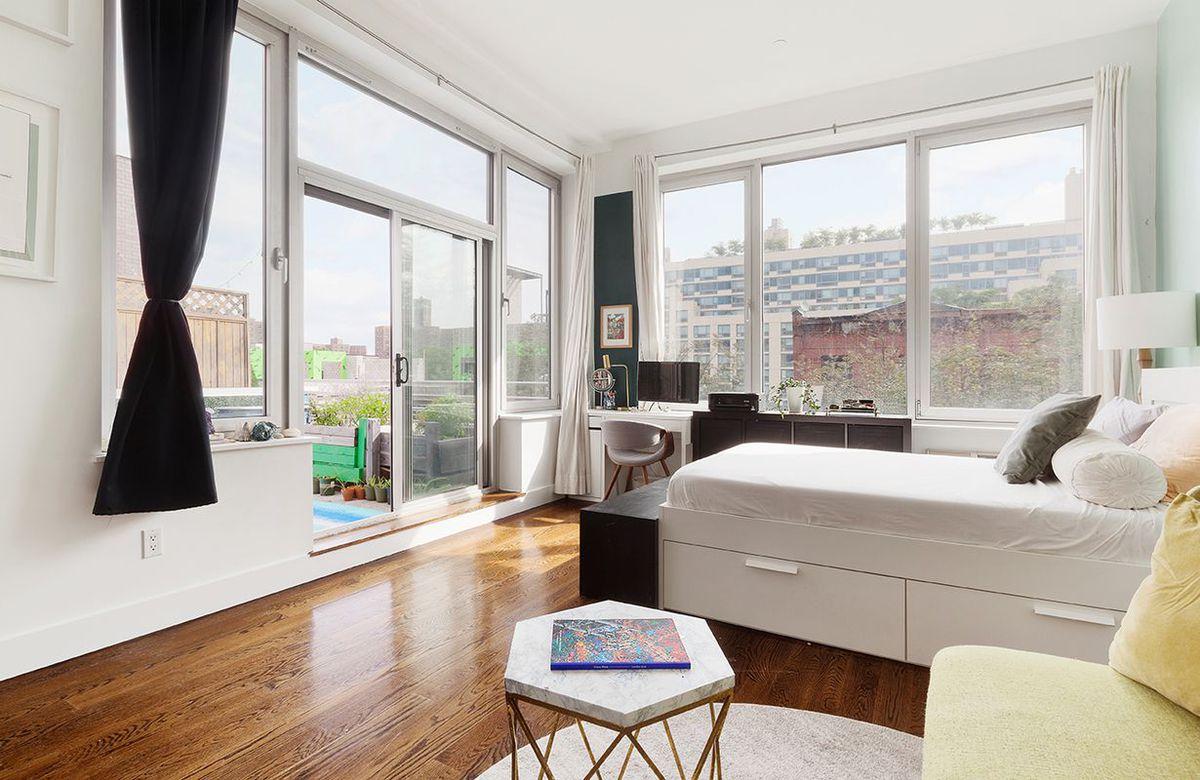 Stylish Downtown Brooklyn studio with massive terrace seeks $599K ...