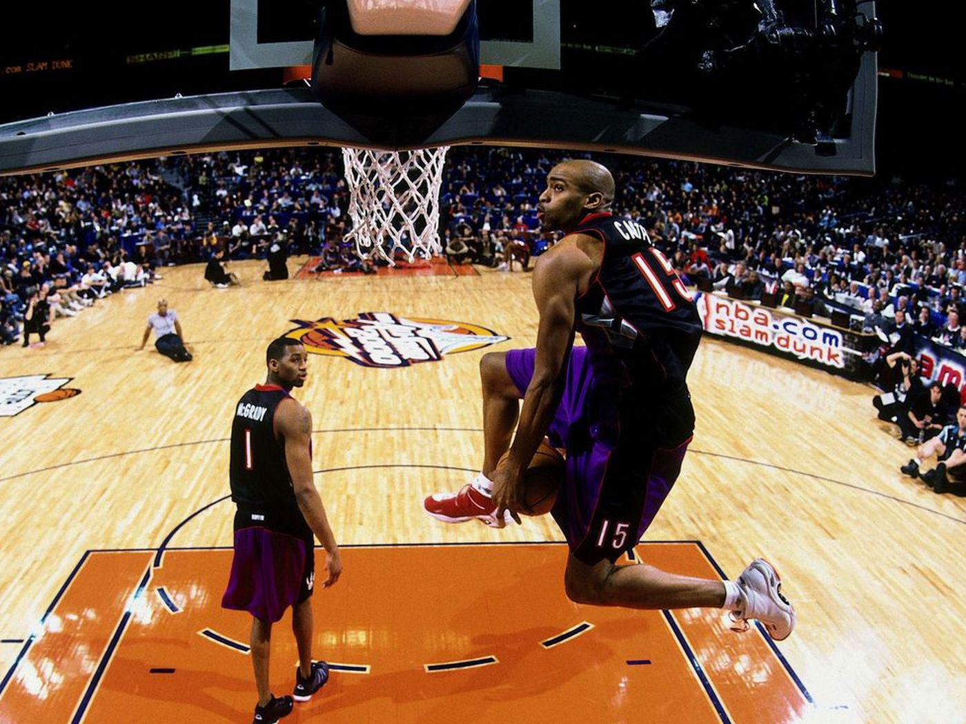 527174ad8559 Reliving The Best (And Worst) Dunk Contests From All-Star Weekend History -  SBNation.com