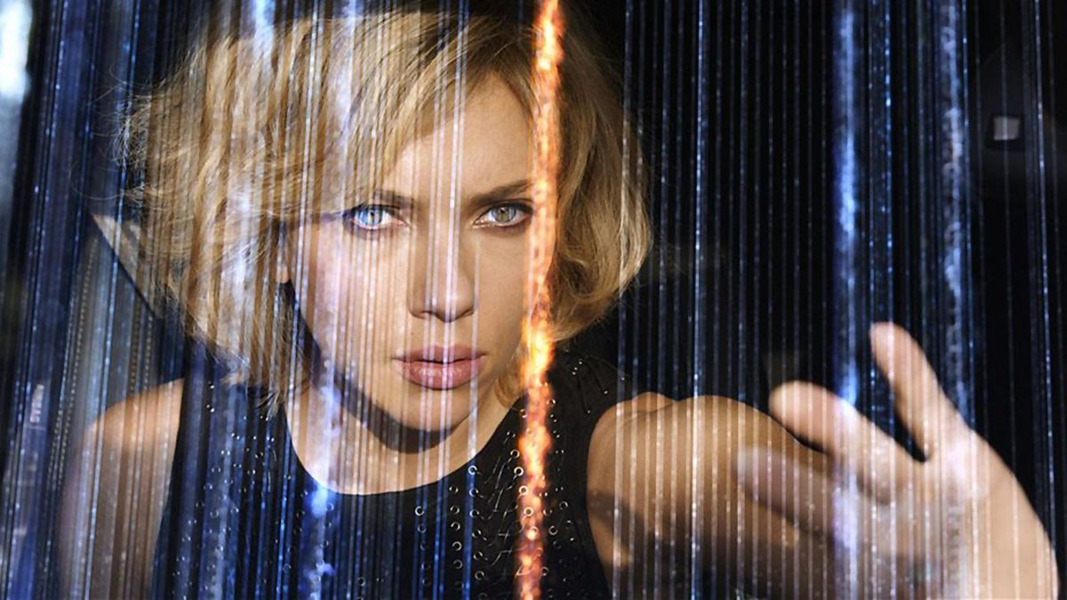 scarlett johansson touches the fibers of time in Lucy