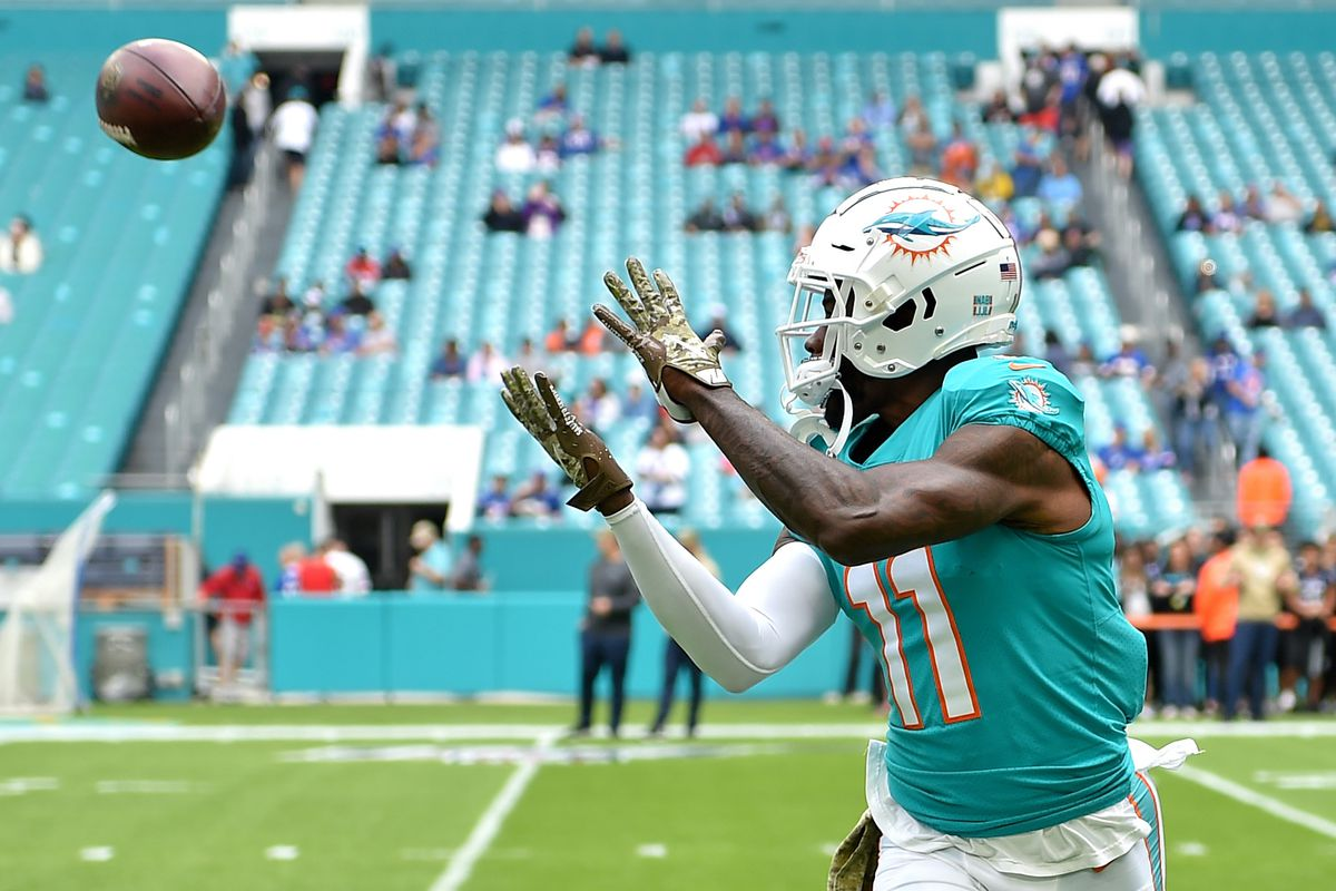 Miami Dolphins wide receiver DeVante Parker warms up before a game against the Buffalo Bills at Hard Rock Stadium.