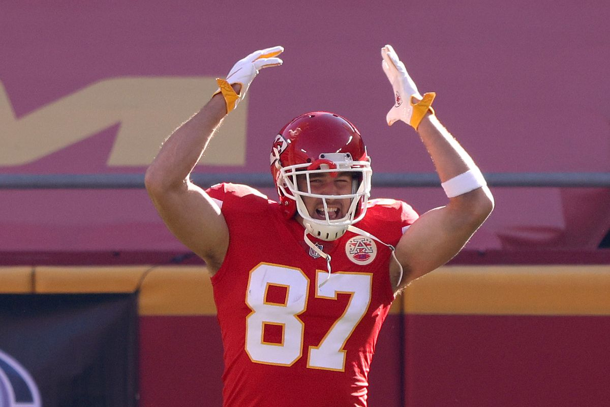 Travis Kelce #87 of the Kansas City Chiefs runs on to the field before the game against the Atlanta Falcons at Arrowhead Stadium on December 27, 2020 in Kansas City, Missouri.