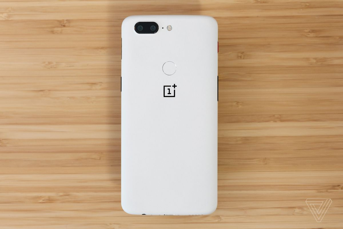 The OnePlus 5T now comes in a gorgeous Sandstone White