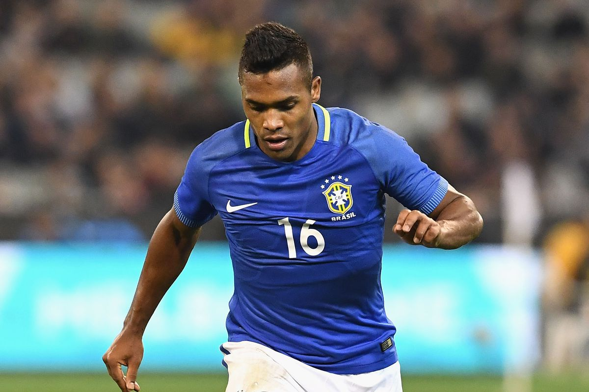Chelsea still pushing for Alex Sandro
