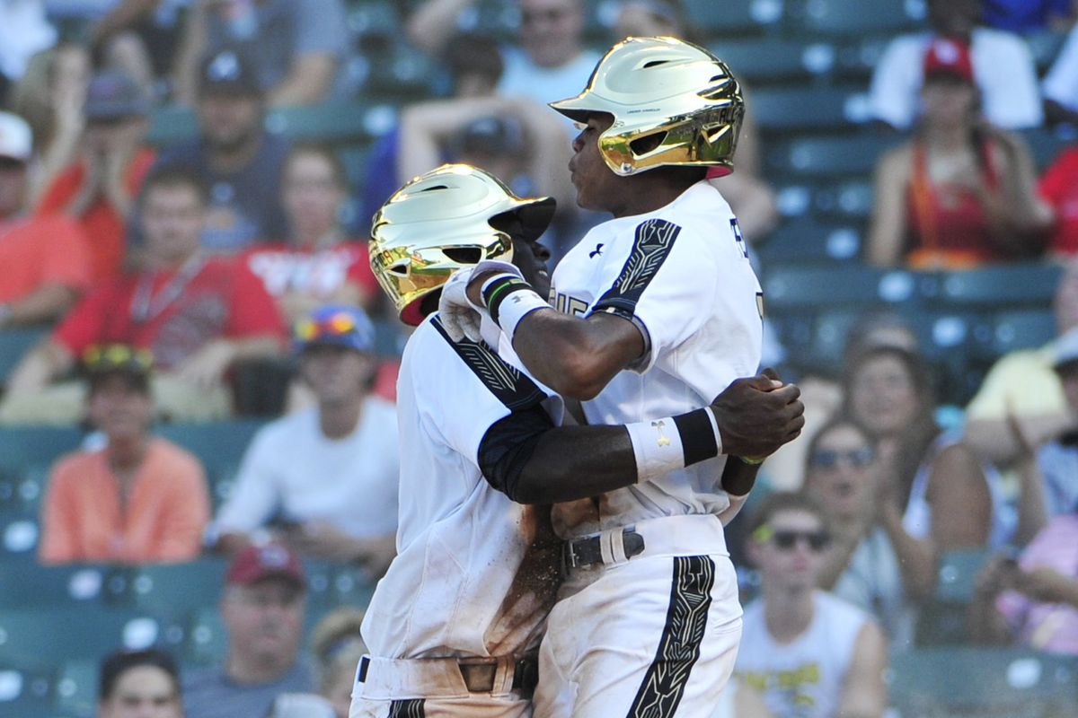 Delvin Perez drops, but only into Taylor Trammell's warm embrace