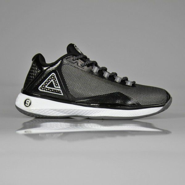 a8ed81c83dbd The TP4 has an upper made of mesh and synthetic leather